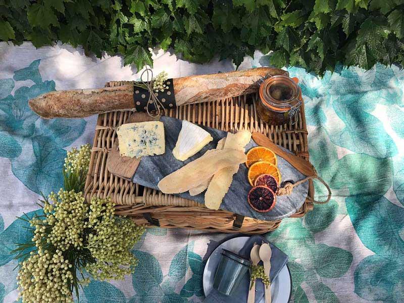 sunlight-cheese-board